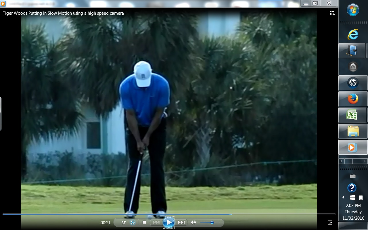 Tiger-Woods-putting-stroke